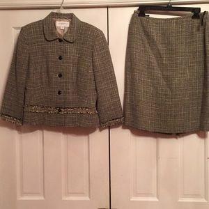 Liz Claiborne skirt suit EUC